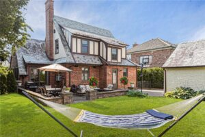 Bronxville/PO Eastchester Real Estate