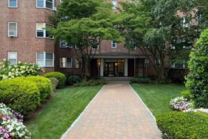 Scarsdale Real Estate
