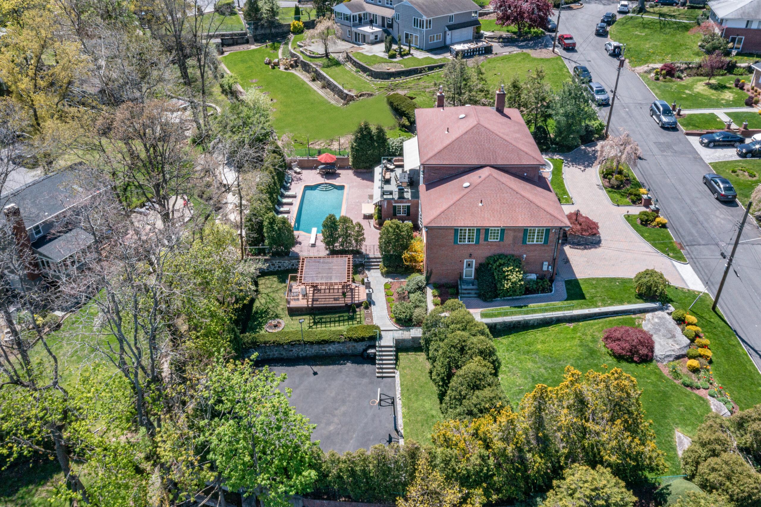 Eastchester Real Estate